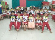 Thành đoàn TP.HCM trao tặng sân chơi trị giá 100.000.000 đồng và một số phần quà cho học sinh